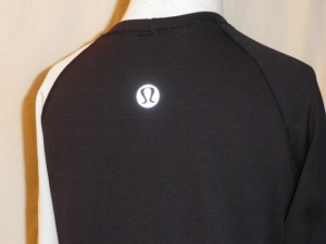IMGP2440 Lululemon Black White Long Sleeve Turkey Trot Technical Running Shirt Top 423
