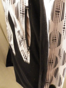 IMGP9479 Lululemon Black White Geometric Pattern Le She Bop Stride Zippered Jacket 573