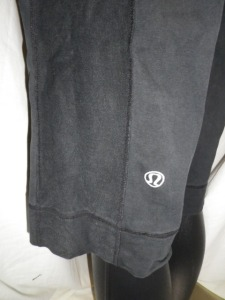 IMGP0519 Lululemon Black Drawstring Sweats Long Shorts with Side Panels 592