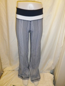 Lululemon Deep Navy Amica Blue Stripe Groove Pants White and Navy Waistband 651