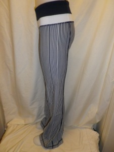 IMGP3125 Lululemon Deep Navy Amica Blue Stripe Groove Pants White and Navy Waistband 651