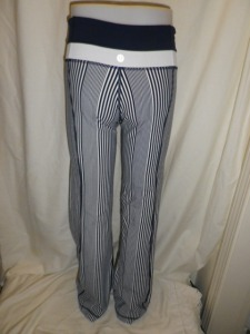 IMGP3127 Lululemon Deep Navy Amica Blue Stripe Groove Pants White and Navy Waistband 651